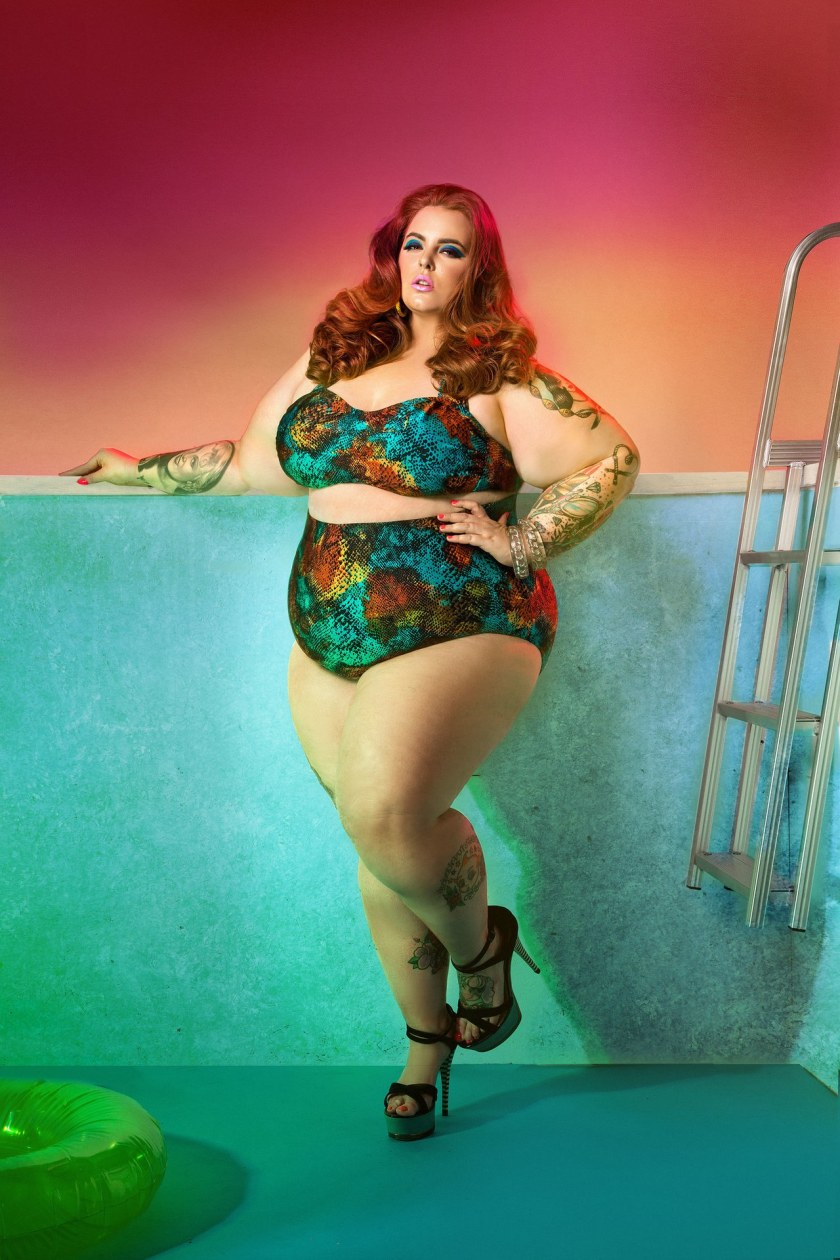 fashion-2015-03-tess-holliday-swimsuit-ad-campaign-two-piece-main